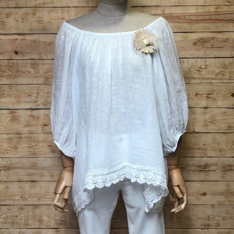 Linen blouse with brooch
